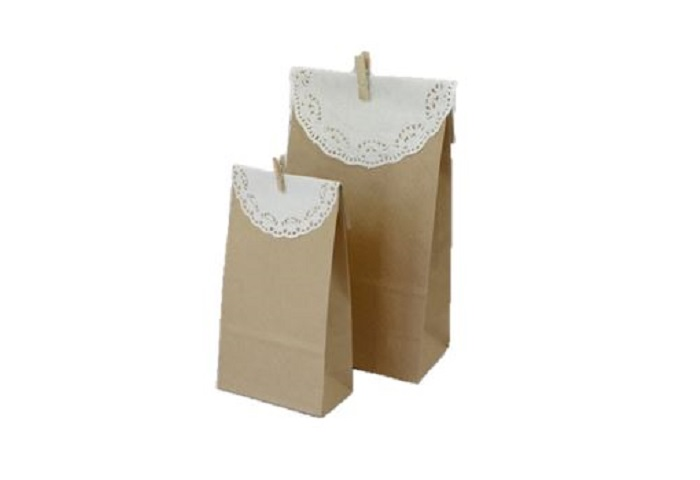 PAPERBAGS WITH LACE DECO